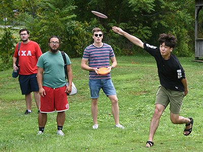 Students with frisbee